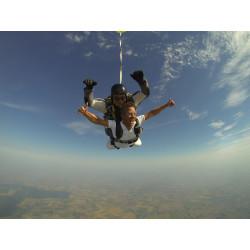 Saut en parachute dans le Nord
